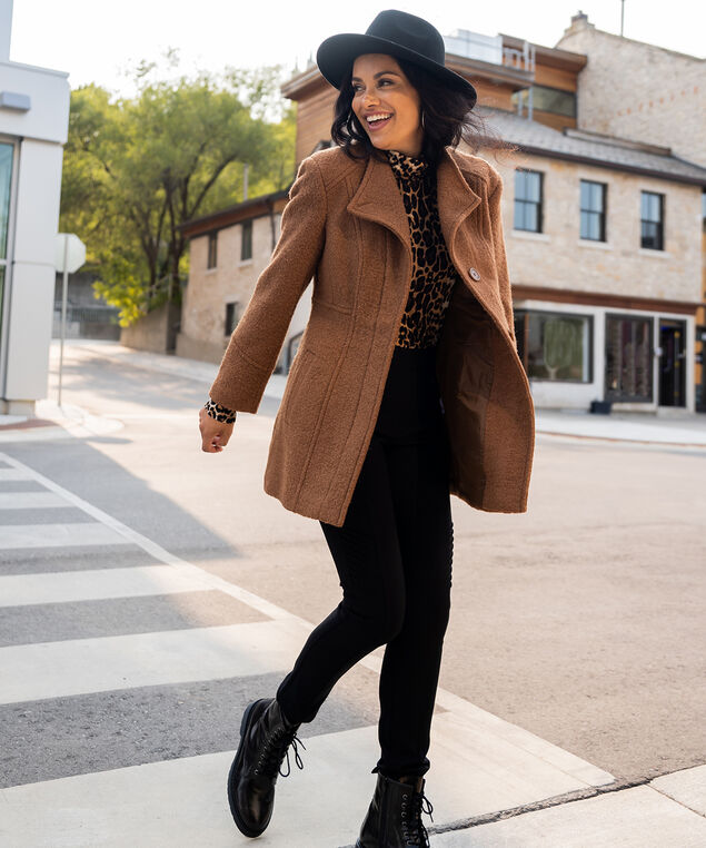 Camel Coat Look,