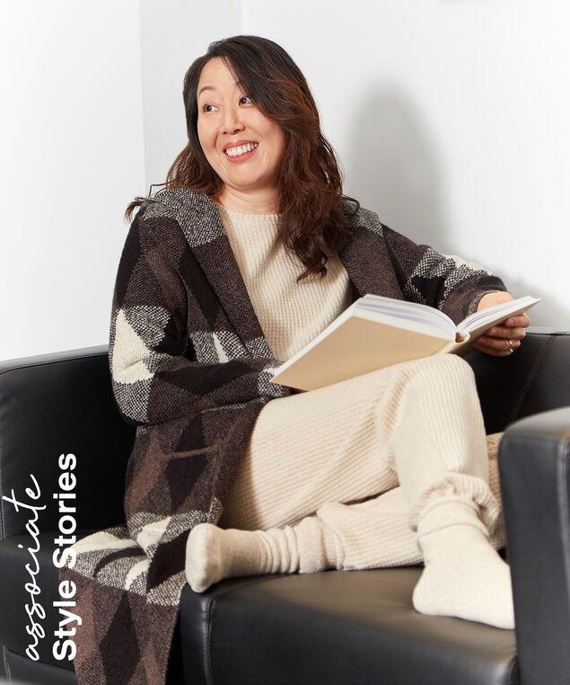 Associate Style Lounge Look,