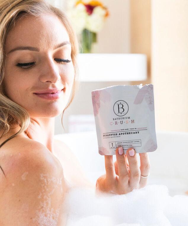 Eucalyptus Apothecary Crush Bath Soak, White