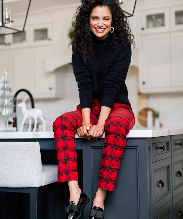 Red & Black Plaid Pant Look,