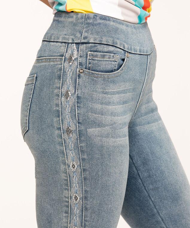 Light Wash Embroidered Ankle Jean, Light Wash