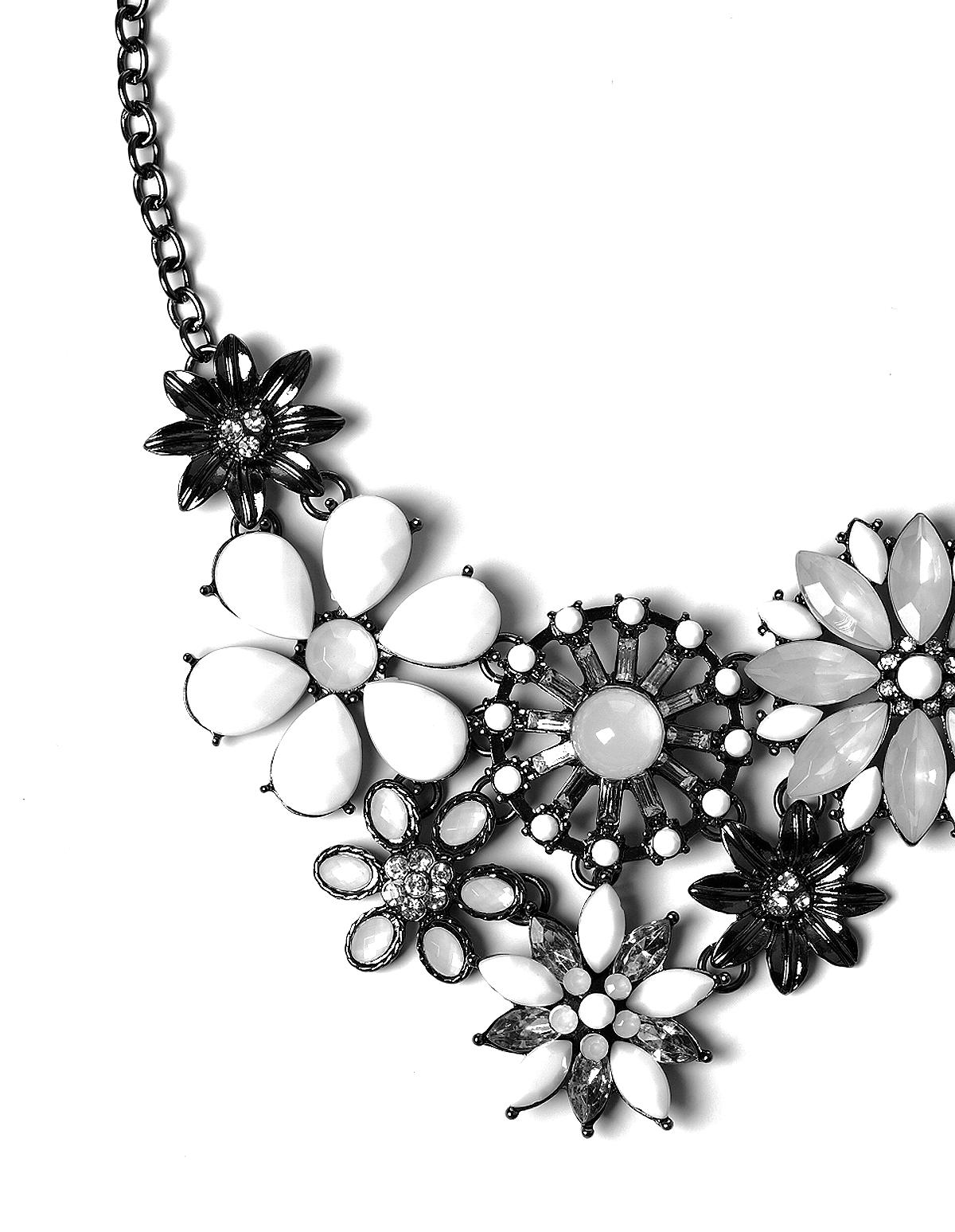 White Flower Statement Necklace Cleo